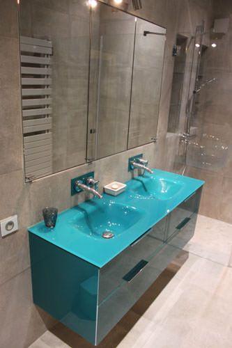 Quatre meubles design tout en verre atlantic bain for Meuble salle de bain bleu
