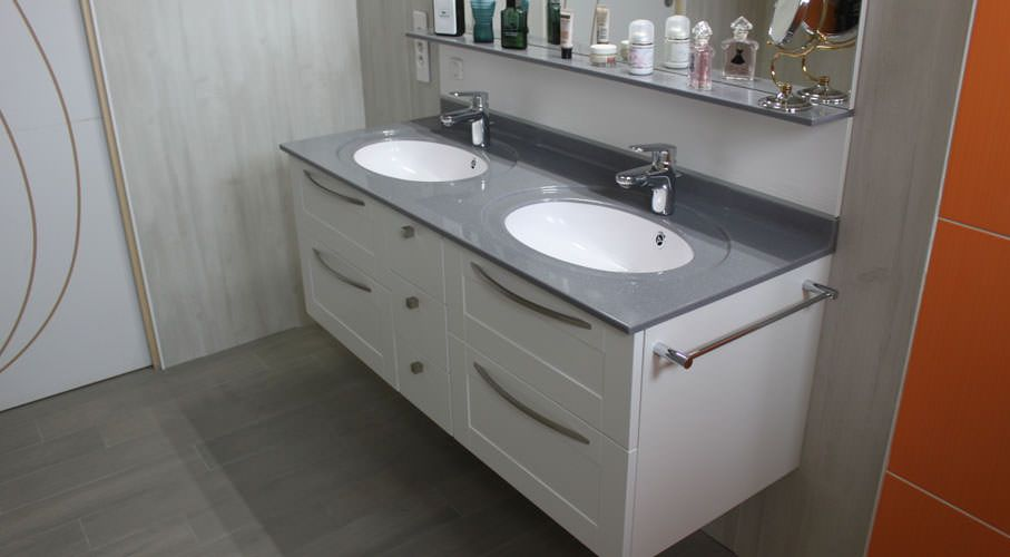 Meuble suspendu double vasque en solid surface atlantic bain - Plan lavabo salle de bain ...