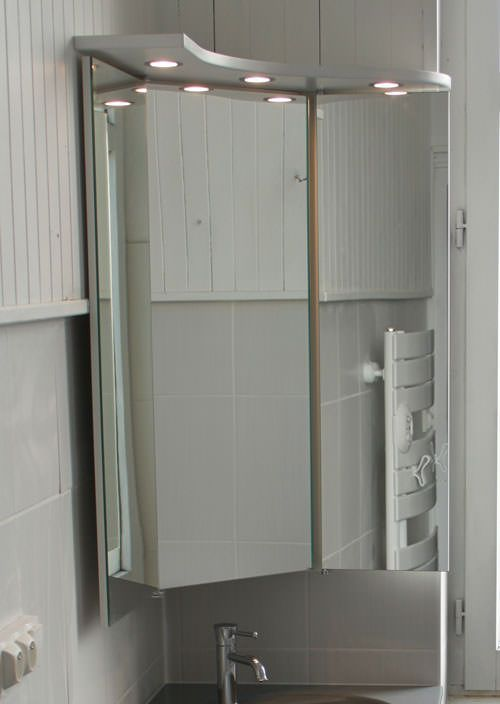 Miroir d angle pour salle de bain maison design for Armoire de salle de bain avec miroir et lumiere