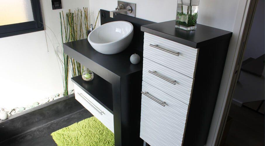 R novation d 39 une salle de bains avec un meuble en b ton - Salle de bain en beton cire ...