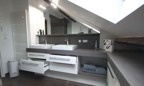 Meuble en b ton cir pour une salle de bain sous rampant - Salle de bain sous les combles idees ...