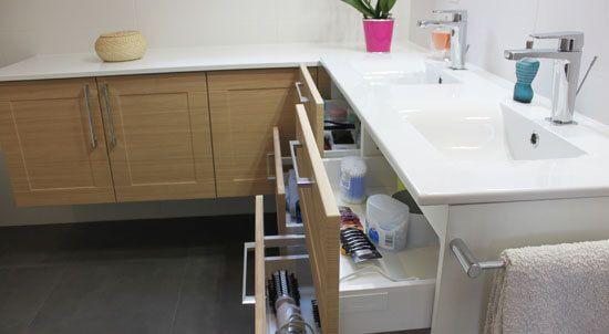 une salle de bain sur-mesure sous pente ! - atlantic bain - Plan De Travail Salle De Bains