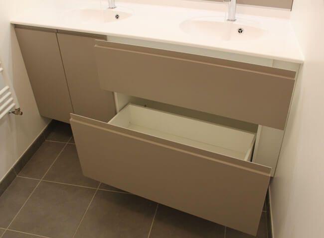 Meuble double vasque encastr entre 2 murs en biais for Difference entre salle d eau et salle de bain