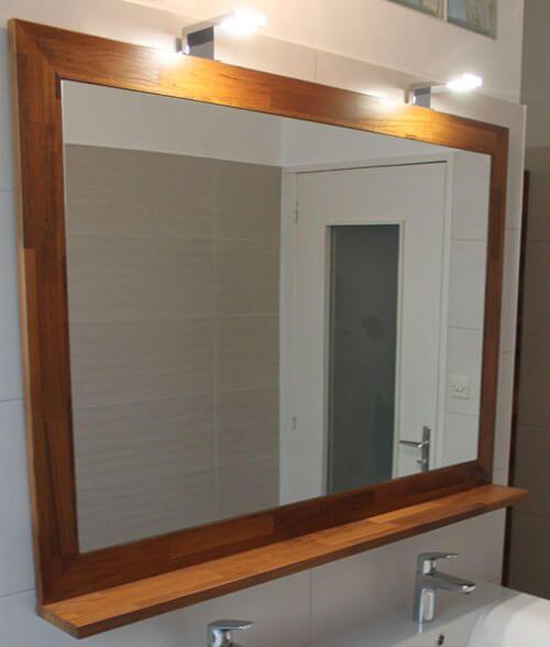 Un meuble teck lamell vernis avec un plan de toilette - Colonne salle de bain avec miroir ...