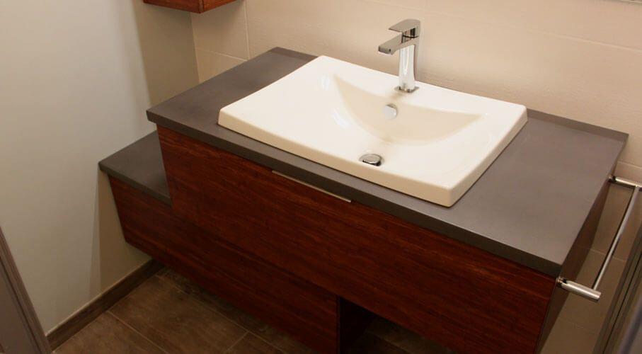 Salle de bain beton cire et bois for Peinture beton salle de bain
