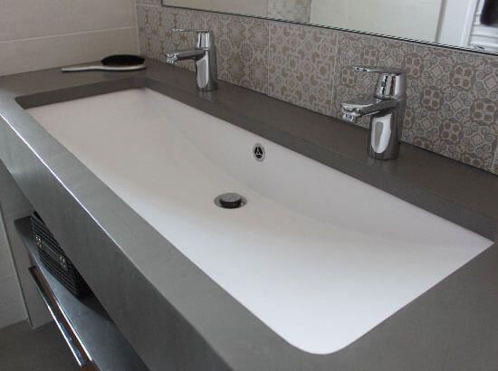 meuble salle de bain une vasque avec deux robinets. Black Bedroom Furniture Sets. Home Design Ideas