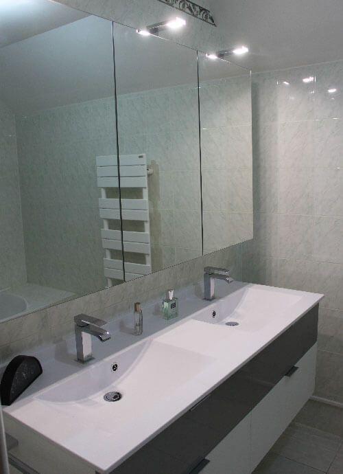 deux-lavabo-pour-meuble-gris-et-blanc