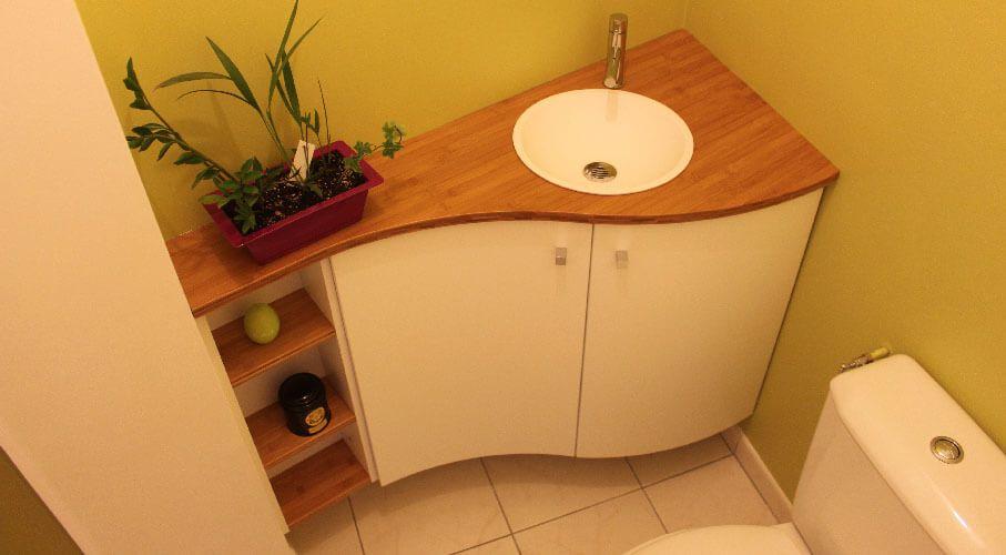 Comment agencer un wc avec des angles pas droits - Petit lave main wc avec meuble ...