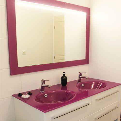 Meuble plan en verre avec vasque thermoform e atlantic bain for Meuble salle de bain plan vasque en verre