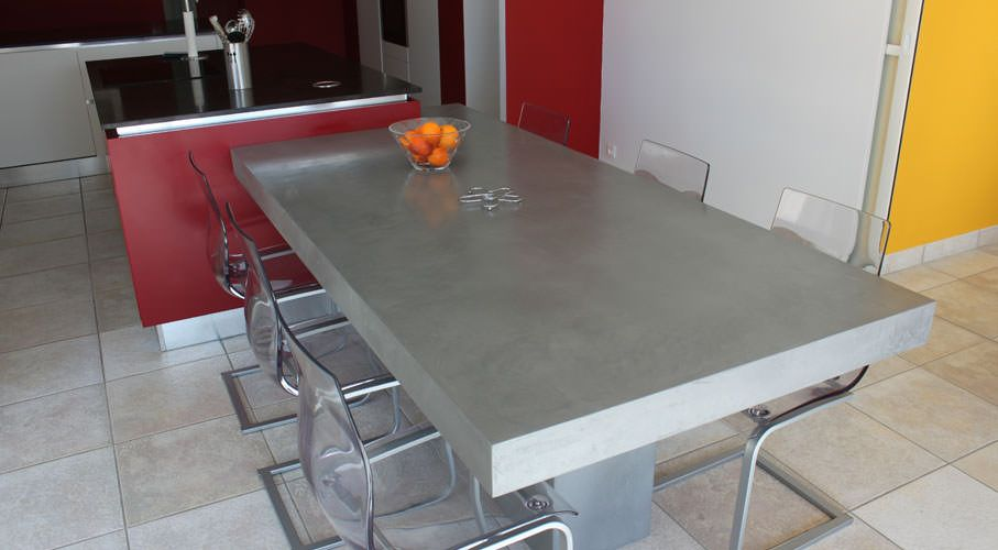 Plan cuisine design en b ton cir atlantic bain for Table en zinc de cuisine