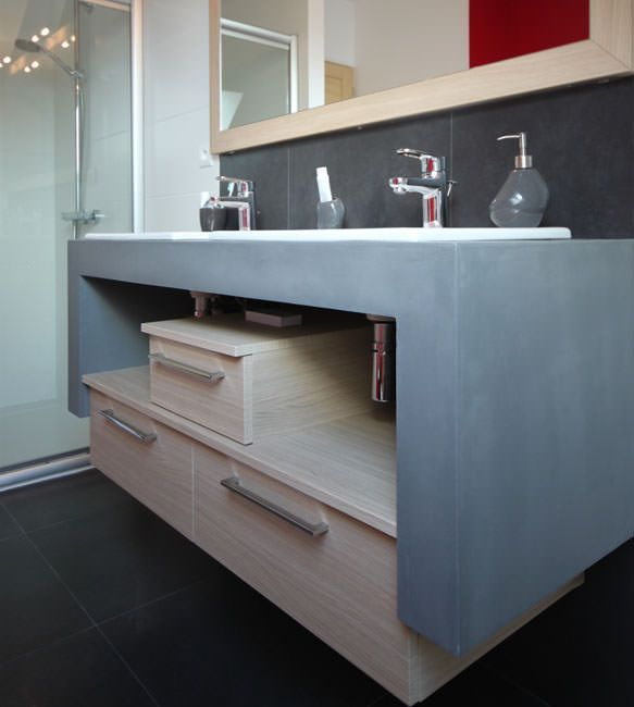 Meuble design en b ton cir et ch ne de fil atlantic bain for Finition de salle de bain