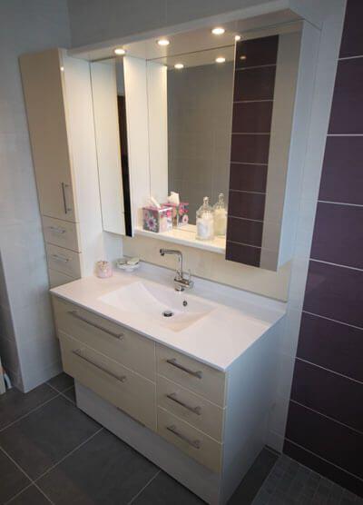place aux rangements et la fonctionnalit dans la salle de bain atlantic bain. Black Bedroom Furniture Sets. Home Design Ideas
