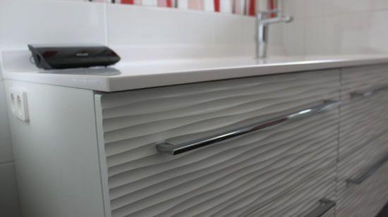 un meuble contemporain blanc avec vasque d centr e atlantic bain. Black Bedroom Furniture Sets. Home Design Ideas