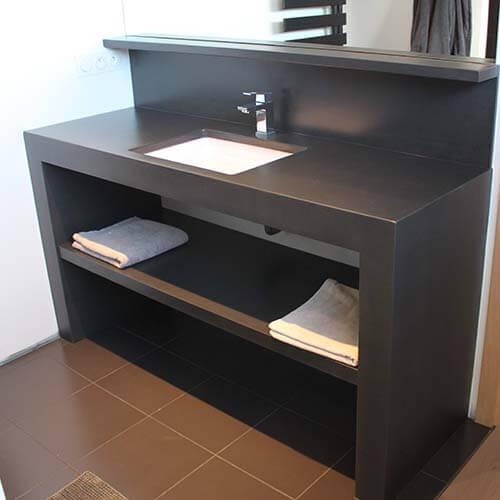 meuble-noir-en-beton-cire-design