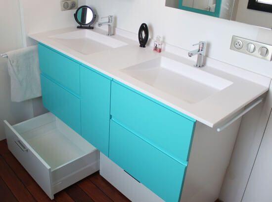 Un meuble double vasques simple et astucieux atlantic bain for Meuble sous lavabo une porte