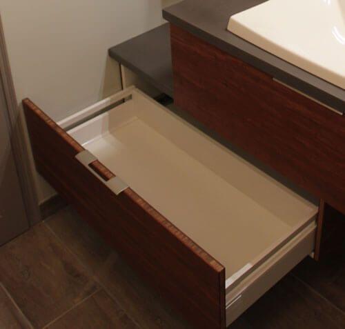 b ton cir et bois massif pour ce meuble d cal atlantic bain. Black Bedroom Furniture Sets. Home Design Ideas