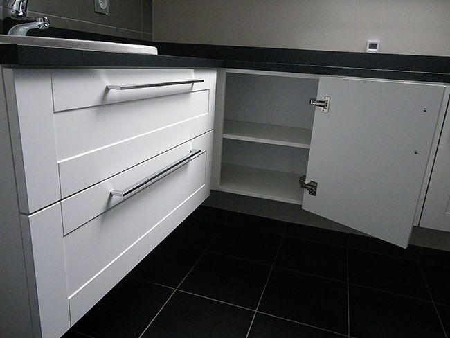r novation salle de bain meuble sous pente atlantic bain. Black Bedroom Furniture Sets. Home Design Ideas