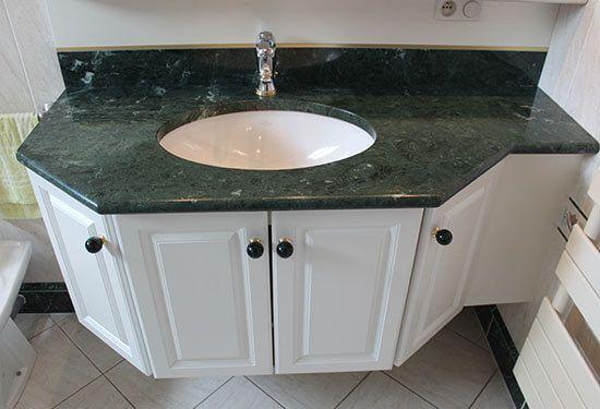 retour sur des meubles avec plan en marbre vert install s