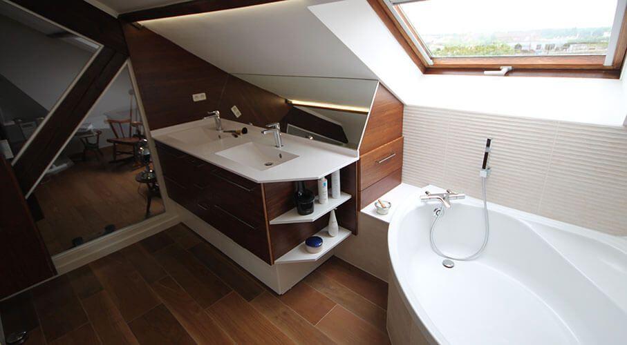 Meuble sous pente de toit photos de conception de maison for Meuble sous toit