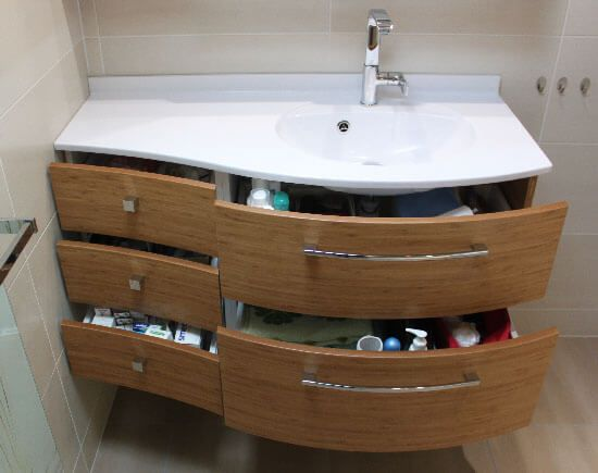 un meuble galb en bambou massif sous rampant et un mini. Black Bedroom Furniture Sets. Home Design Ideas