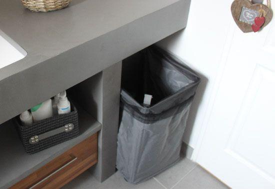 Meuble salle de bain une vasque avec deux robinets for Meuble avec panier a linge