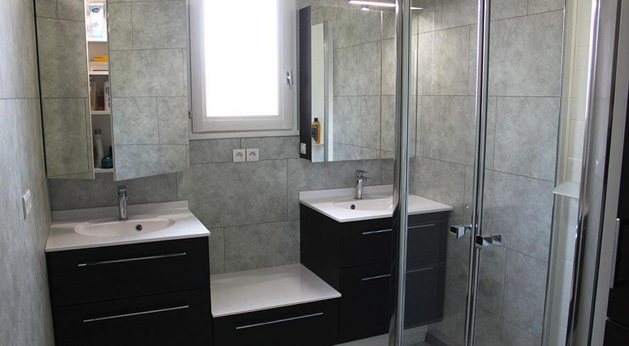 Comment installer un meuble sous la fen tre de salle de - Comment installer un lavabo de salle de bain ...