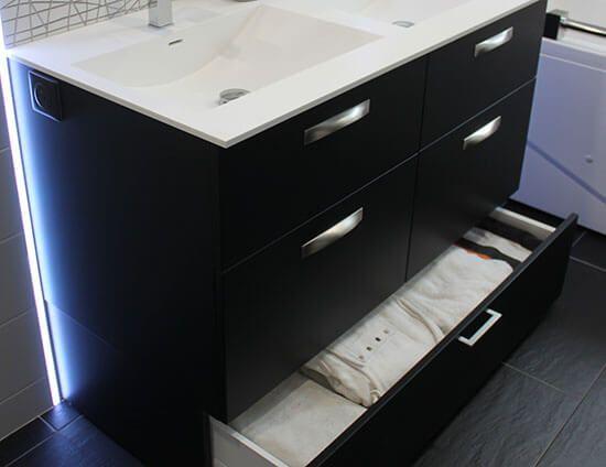 meuble double vasque et coiffeuse sur mesure en noir et. Black Bedroom Furniture Sets. Home Design Ideas