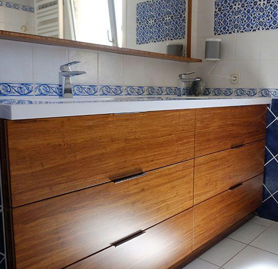 Remplacement d 39 un meuble sur mesure entre murs de salle de - Meuble bois massif sur mesure ...