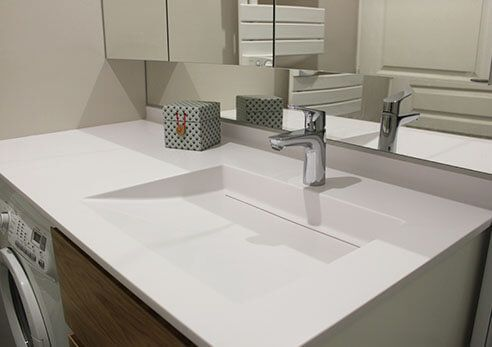 plan-de-toilette-et-vasque-avec-machine-a-laver