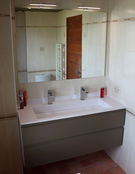 Marvelous Meuble Salle De Bain Un Vasque Avec 2 Mitigeurs #3: Meuble-deux-tiroirs-un-lavabo-deux-robinets.jpg