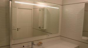 ensemble-meuble-miroir-salle-bain-blanche