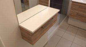meuble coiffeuse salle bain suspendu miroir plan resine