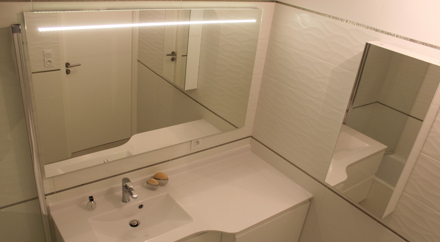 miroir-salle-bain-led-incruste
