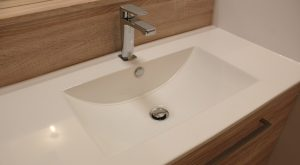 plan-toilette-vasque-resine-moule-meuble-chene-dore