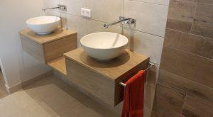 meubles-salle-bains-bois-massif-chene-gris