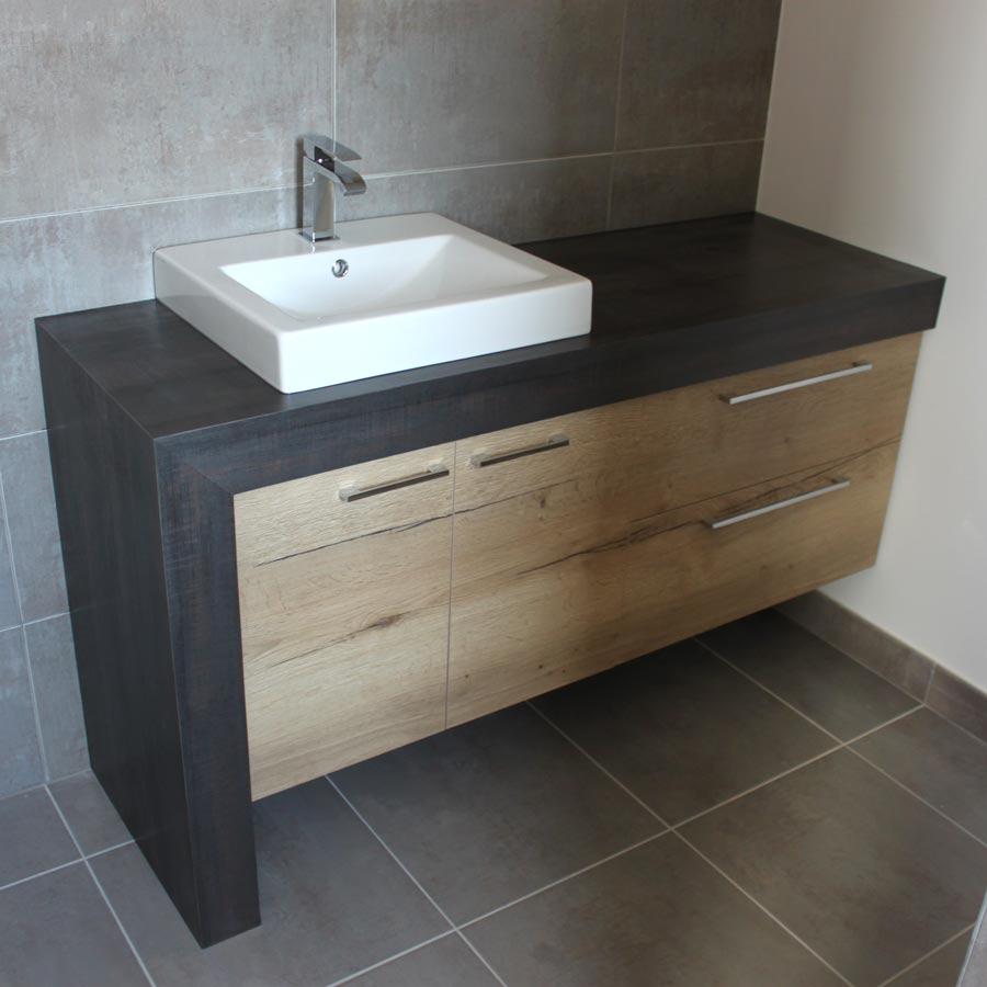 Meuble design avec plan de toilette epais