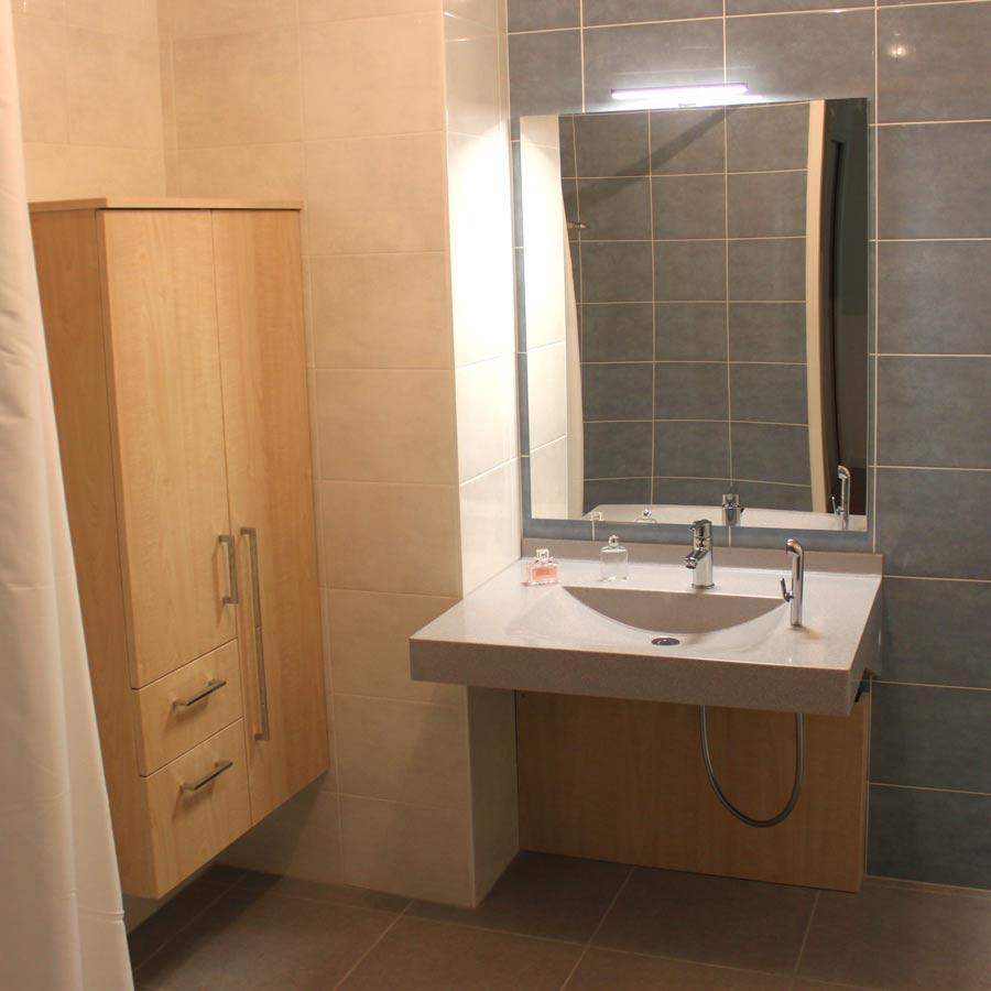meuble-pmr-salle-de-bain